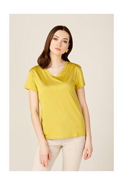 Kadın Yakası Taşlı Tişört