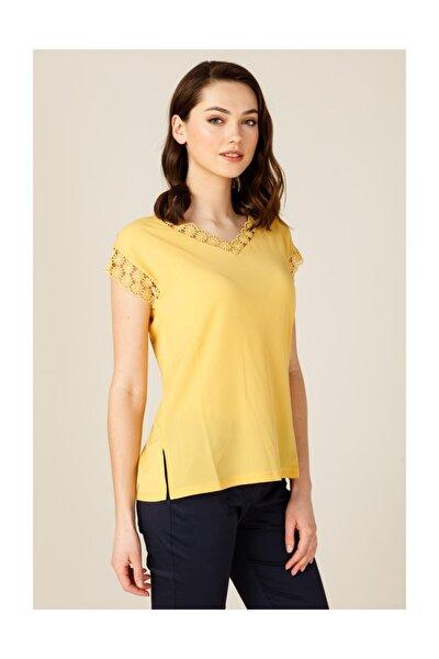 Kadın V Yaka Dantel Detaylı Bluz