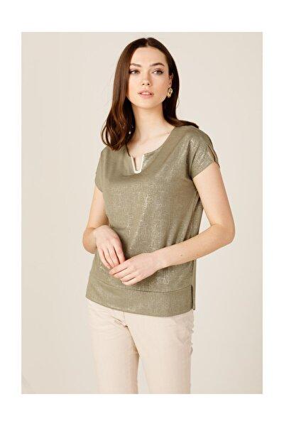 Kadın Parlak Kumaş Aksesuarlı Bluz