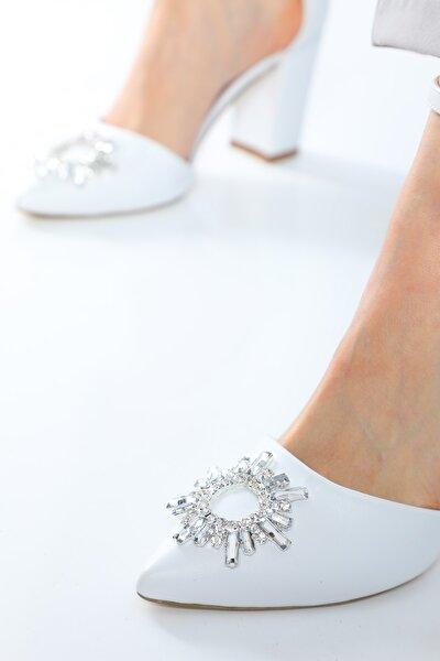 Maureen Beyaz Mat  Sivri 8cm Kristal Taşlı Kalın Topuklu Kadın Ayakkabı
