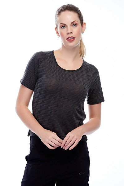891172-010 Kadın T-Shirt