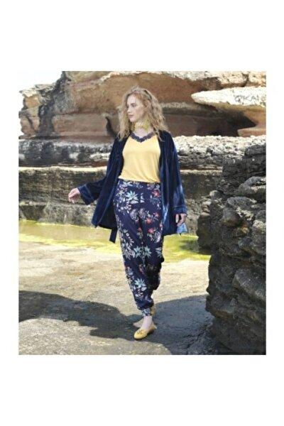 Kadın Lacivert Kadife Sabahlıklı Üçlü Pijama Takımı