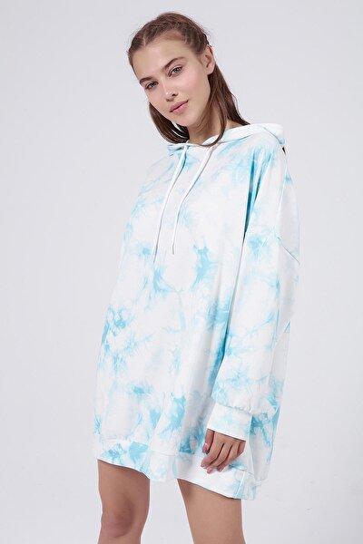 Kadın Mavi Batik Desenli Kapşonlu Oversize Sweatshirt Elbise P20W-4145
