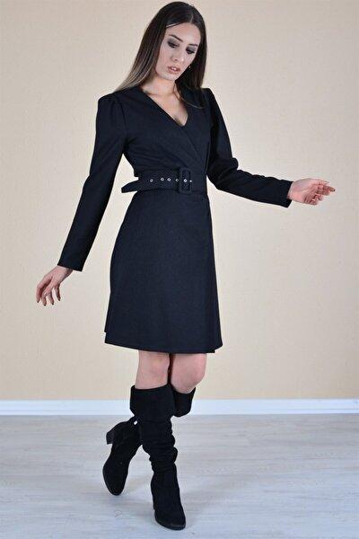 Kadın Siyah Kruvaze Yaka Belden Kemerli Elbise