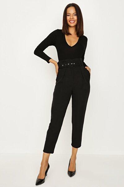 Kadın Siyah Havuç Dar Kesim Kemerli Pantolon E20yz5908