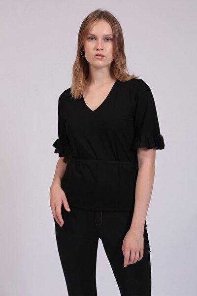 Kadın Siyah V Yakalı Kolları Fırfırlı Bluz HN2745