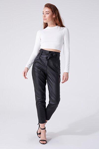 Kadın Siyah Deri Beli Kuşaklı Yüksek Bel Havuç Pantolon