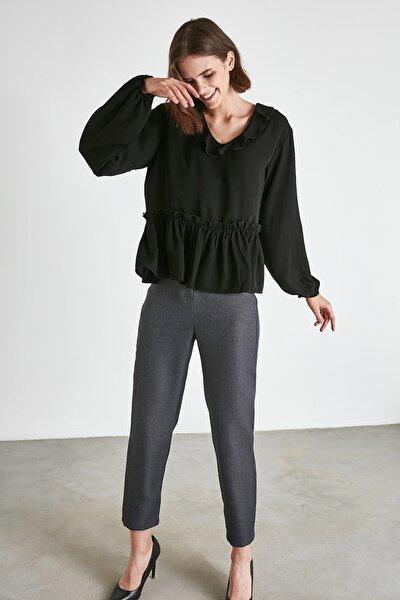 Siyah Volanlı Bluz TWOAW21BZ0799