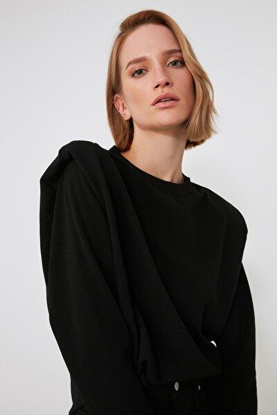 Siyah Omuz Detaylı Örme Sweatshirt TWOAW21SW1248
