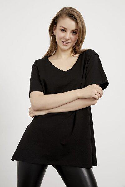 Kadın Siyah V Yaka Yanı Yırtmaçlı Basic Tshirt