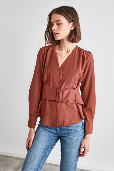Kahverengi Bağlama Detaylı Bluz TWOAW21BZ1098