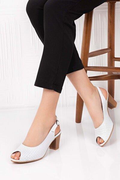 Kadın Beyaz Deri Topuklu Ayakkabı