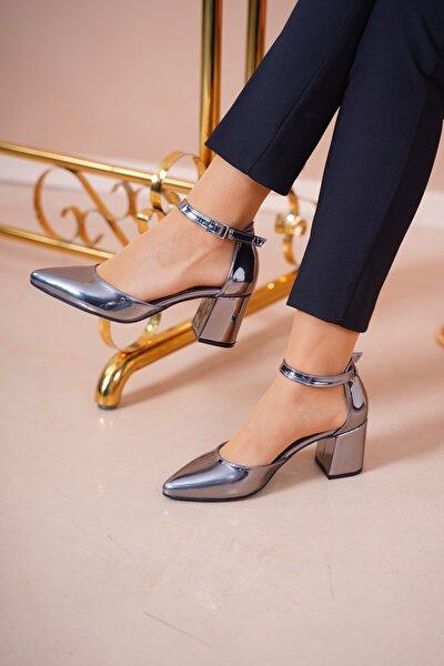 Kadın Platin Sivri Burun Klasik Topuklu Ayakkabı