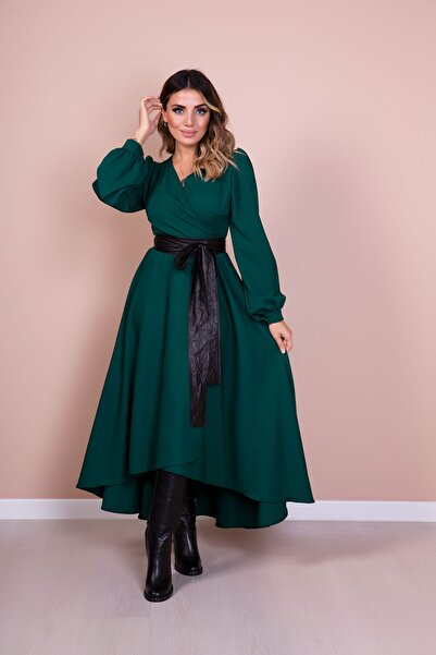 Kadın Siyah Deri Kemerli Zümrüt Uzun Kol Asimetrik Kesim Elbise
