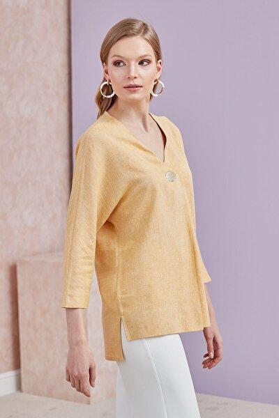 Kadın Sarı Ön Orta Pile ve Aksesuar Detaylı Yarasa Kol Bluz