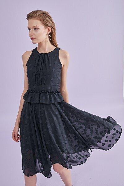 Kadın Siyah Elbise Sıfır Yaka Puanlı