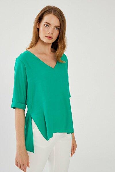 Kadın Yeşil V Yaka Bluz 11538674000009