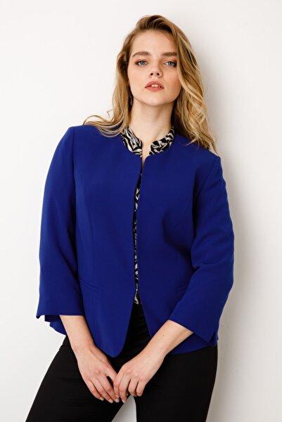 Kadın  Lacivert Oval Yaka Ceket