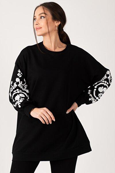 Kadın Siyah Yuvarlak Yaka Kolu Kabartmalı Sweatshirt ARM-21K024033