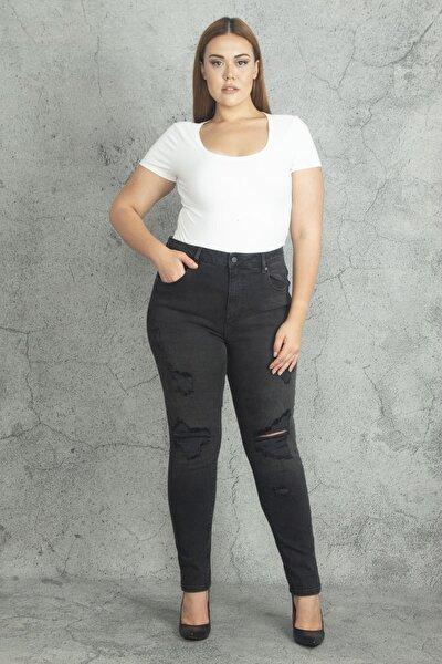 Kadın Siyah Yırtık Detaylı 5 Cepli Kot Pantolon 65N19983
