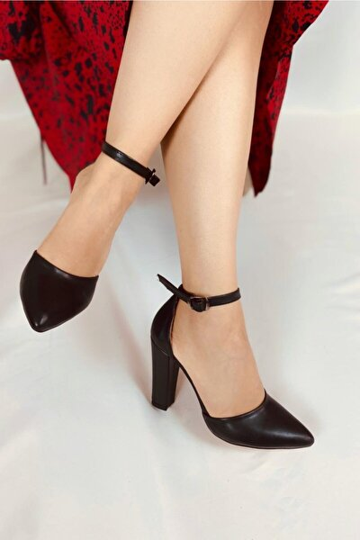 Kadın Siyah Deri Topuklu