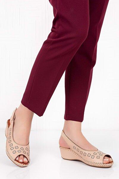 Kadın Bej  Deri Anatomik Taban Sandalet