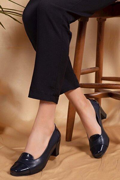 Kadın Lacivert Petek Deri Topuklu Ayakkabı