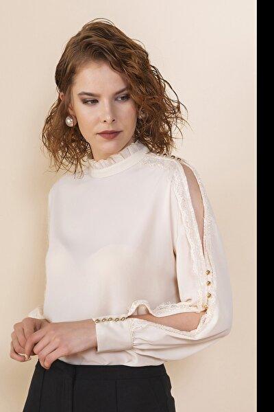 Kadın Bej Kolu Yırtmaçlı Bluz