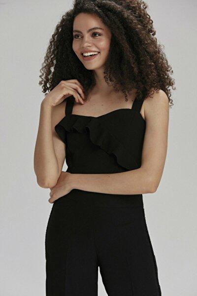 Kadın Siyah Volanlı Asimetrik Crop Askılı Bluz