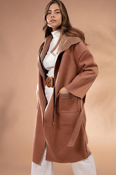 Kadın Kahverengi Kapüşonlu Fermuarlı Uzun Kaban 211108