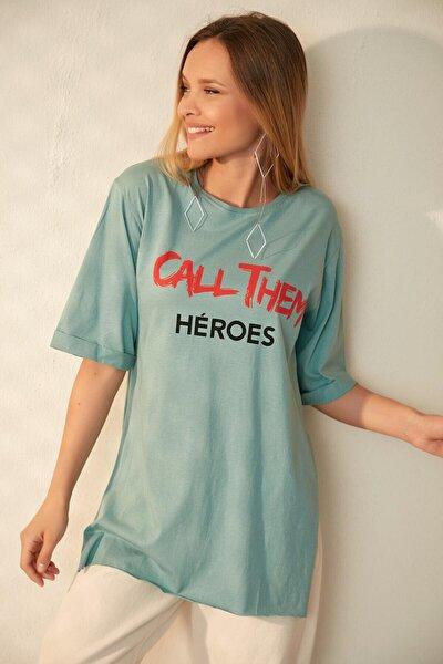 Kadın Turkuaz Yırtmaçlı Boyfriend T-Shirt