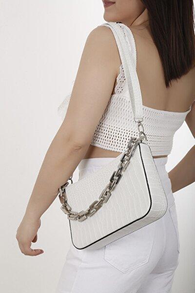 Kadın Beyaz Zincirli Baget Çanta