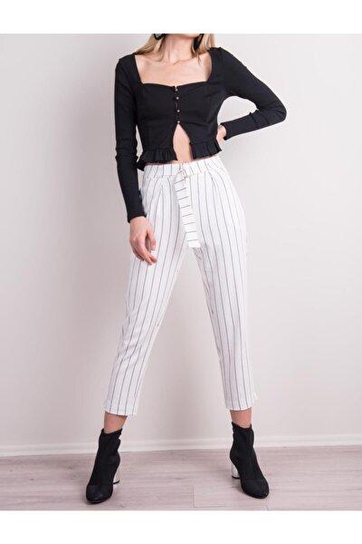 Kadın Beyaz Çizgili Kemer Detaylı Çizgili Havuç Paça Pantolon