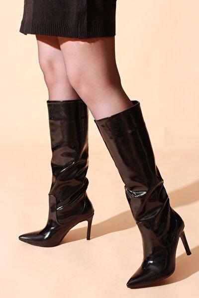 Siyah Kırışık Rugan Kadın Çizme