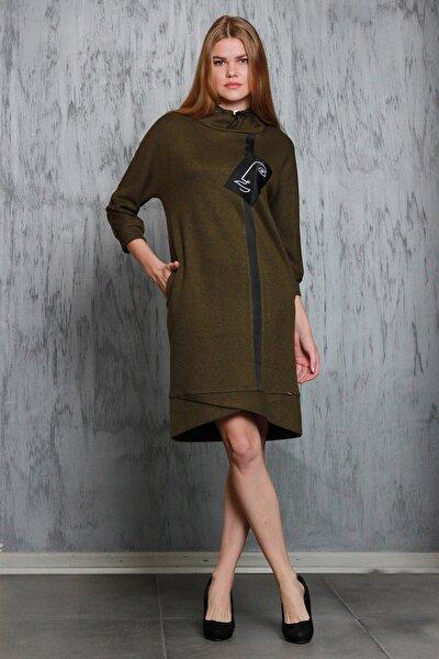 Kadın Haki Göğsünde Yüz Baskılı Yakası Büzgülü Simli Örme Kumaş Elbise Je91511