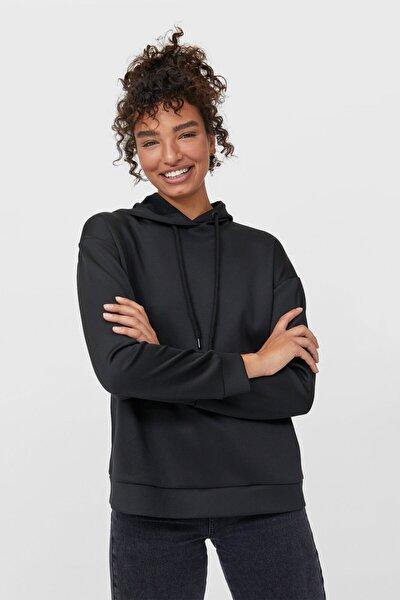 Kadın Siyah Kapüşonlu Basic Sweatshirt 06502480