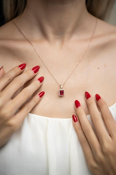 Kadın Kare Model Yakut Taşlı Rose Kaplama Gümüş Kolye İZLASLVR00543