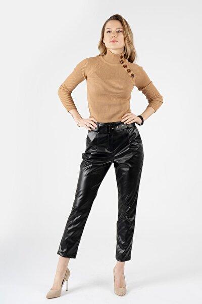 Kadın Siyah Kaplama Kemerli Deri Pantolon K-3776