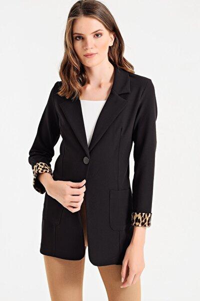 Kadın Siyah Yakalı Cepli Uzun Kol Katlamalı Ceket 37000