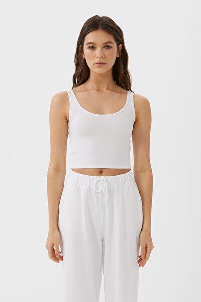 Kadın Beyaz Crop Fit Kolsuz T-Shirt 02517784