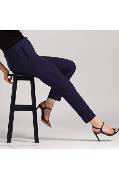 Kadın Lacivert Dar Bilek Pantolon