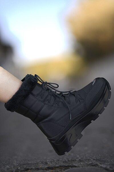 Kadın Siyah Bağcıklı Kar Botu