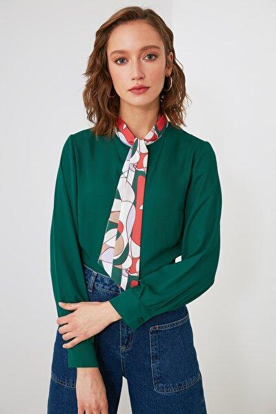 Zümrüt Yeşili Yaka Detaylı Bluz TWOAW21BZ1291
