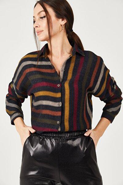 Kadın Renkli Çizgili Salaş Gömlek ARM-21K001034