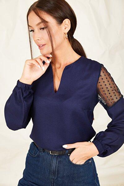Kadın Lacivert V Yaka Kolu Tüllü Büyük Beden Bluz ARM-20K001165