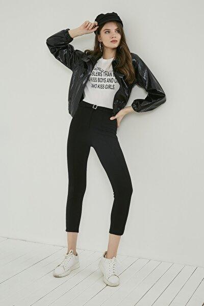 Kadın Siyah Önü Biyeli Tokalı Pantolon 20KPA768K101