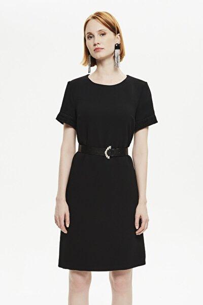 Kadın Siyah Düz Form Yarım Kollu Elbise