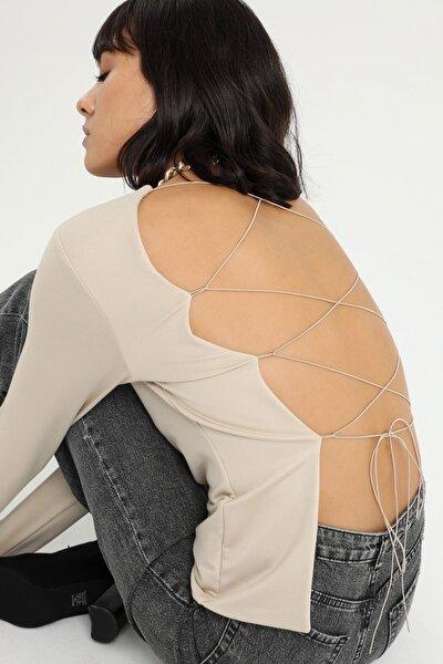 Kadın Bej Sırt Detaylı Uzun Kollu Bluz