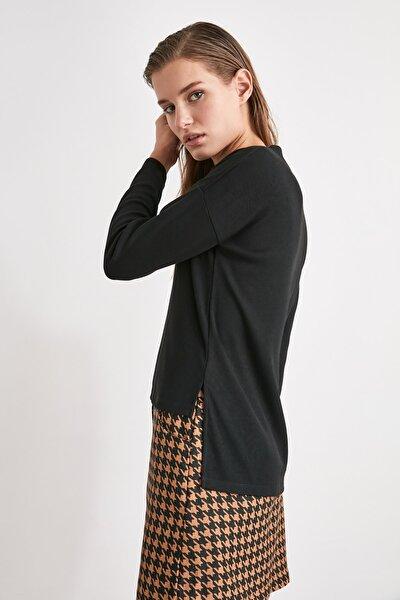 Siyah V Yaka Örme Sweatshirt TWOAW21SW1936