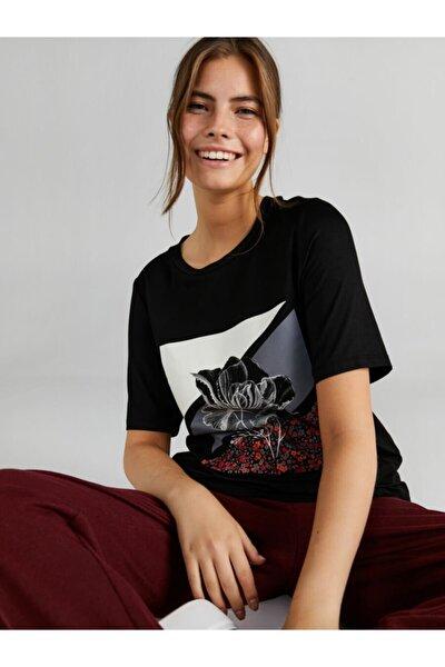 Kadın Siyah Çiçek Baskılı Taşlı T-shirt